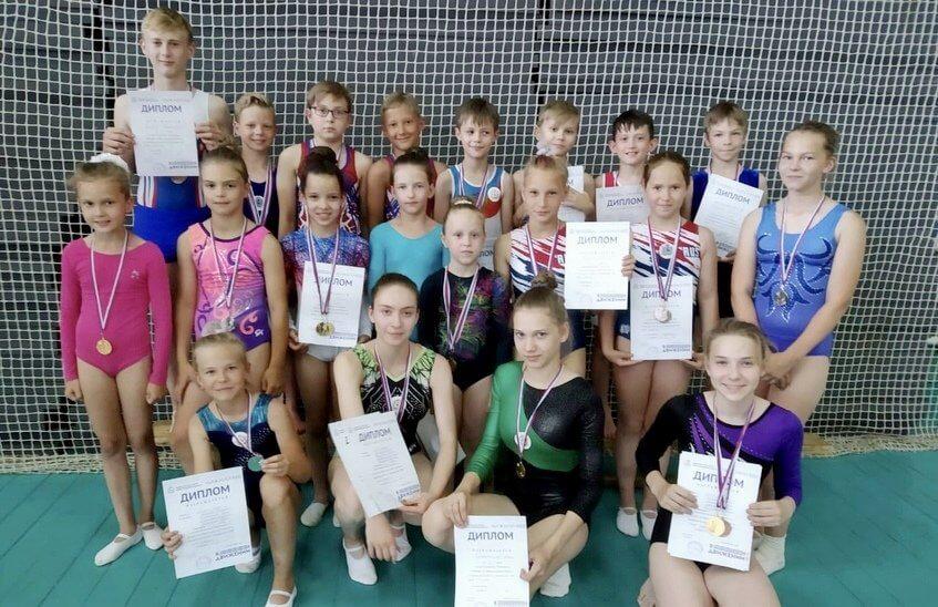 Саровские спортсмены выиграли награды в прыжках на двойном мини-трампе в Нижнем Новгороде