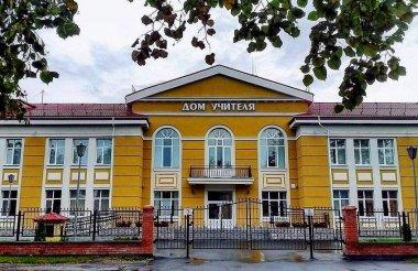 Пять саровских учителей удостоены грантов президента и губернатора
